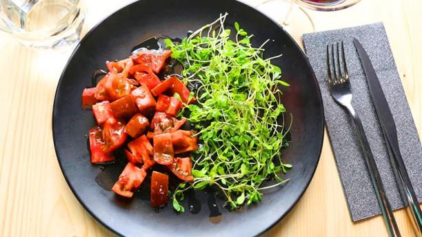 Taberna Los Delgado Tomate raff , pamplinas y roy cheddar de cabra