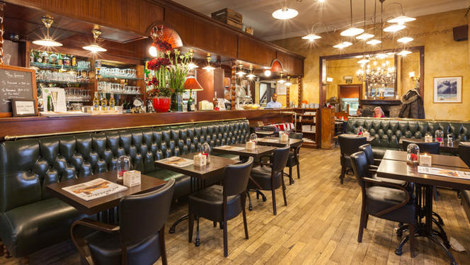 Salle du restaurant - Shake Hands,