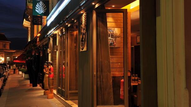 Swadee restaurant 20 rue du d barcad re 75017 paris adresse horaire - Galeries gourmandes porte maillot horaires ...