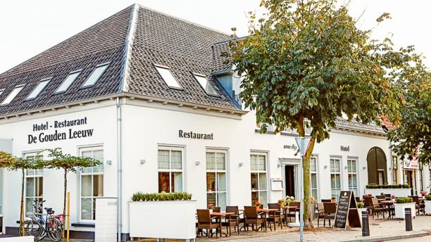 Hotel - restaurant De Gouden Leeuw Ingang