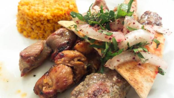 Kfifen Coeur du Liban Brochettes de viandes, poulets, Kafta