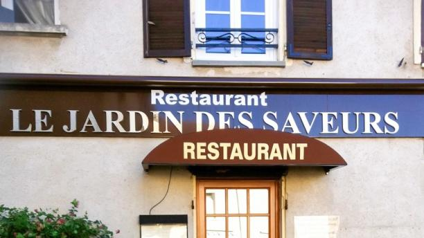 Le jardin des saveurs in l signy restaurant reviews for Restaurant le jardin domont 95