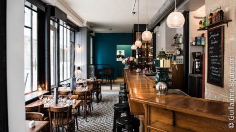 Café Lumière, Paris