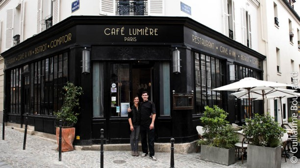 restaurant caf lumi re paris 75020 p re lachaise. Black Bedroom Furniture Sets. Home Design Ideas
