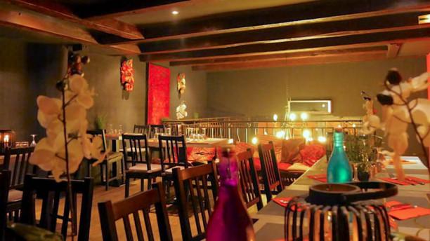 waroeng bali restaurant 15 rue du docteur escat 13006. Black Bedroom Furniture Sets. Home Design Ideas