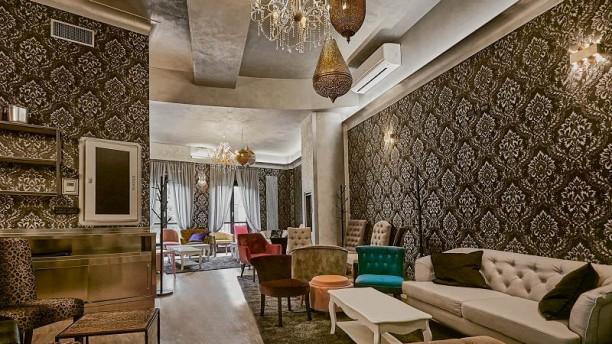 Chapeau Lounge Room