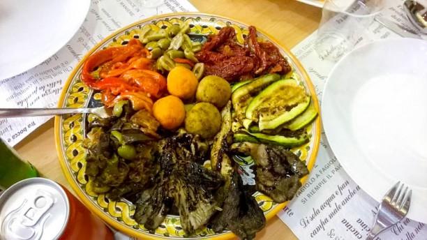 La Sfiziosa Bistrot food and drinks Vista sala