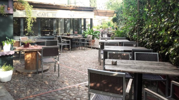 Café Belgrado Vista del exterior