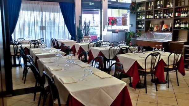Eolian Milano ristorante e pizza S.r.l. Vista sala