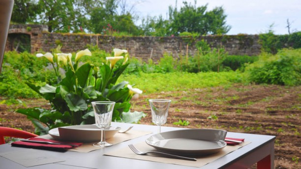 Chemin Faisant la terrasse d'été