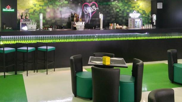 Restaurante love lisbon centro comercial martim moniz en for Centro comercial aki piscinas precio