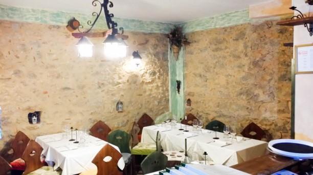 Tarallucci e Vino trattoria Vineria La sala