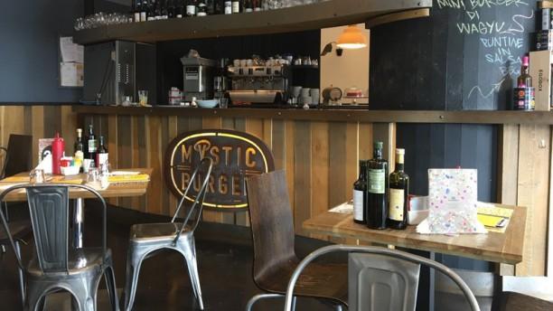 Mystic Burger Carate Brianza Interno