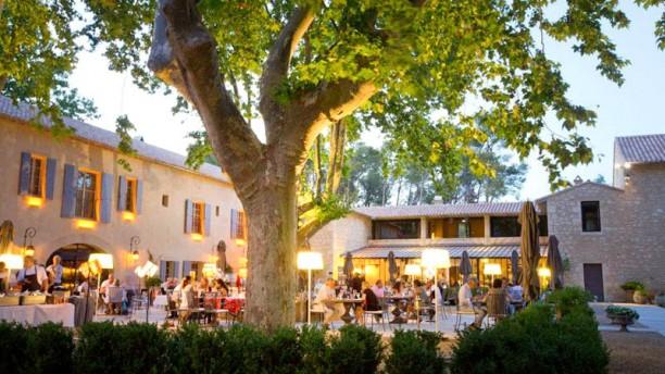 Restaurant le domaine de manville l 39 aupiho les baux de provence 13520 avis menu et prix - Les jardins de provence 77 ...