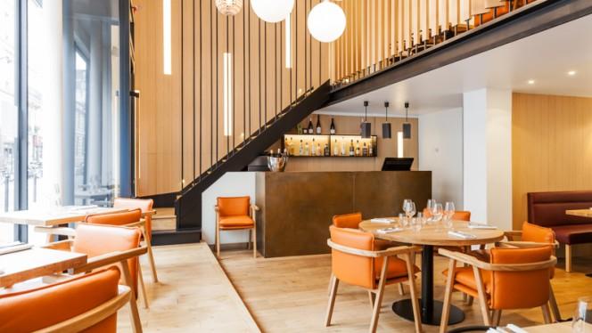 Salle du restaurant - Le 122, Paris