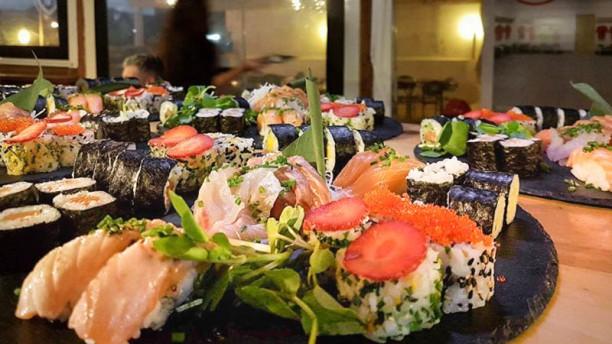 Exotic Sushi Fusion Combinados