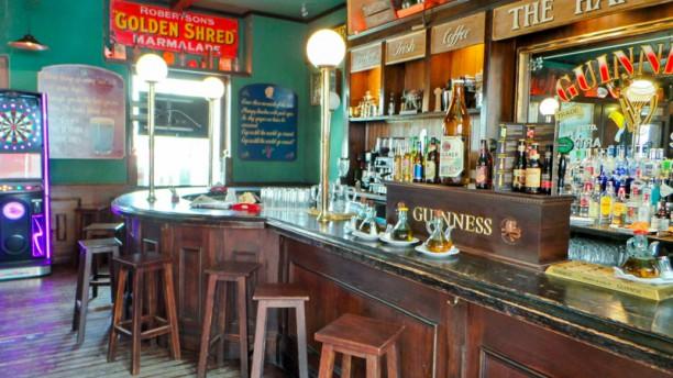 The handyman tavern Vista del interior