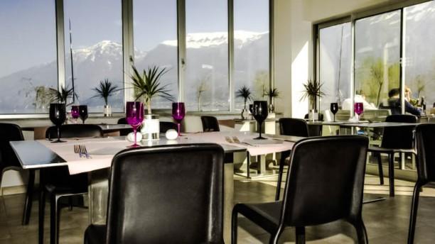 Univela Beach Restaurant & Coffee La sala