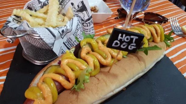 La Taronja hot dog xxl