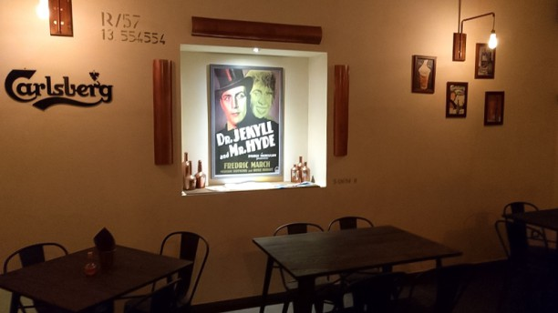 Jekyll pub, Food & Beverage Interno