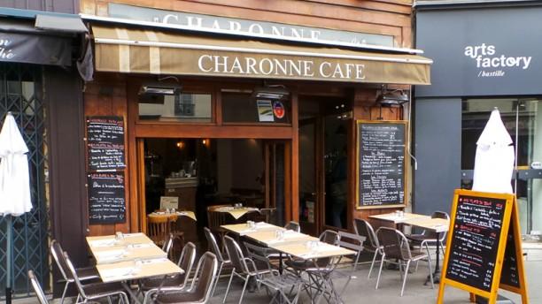 Le Charonne Café Devanture