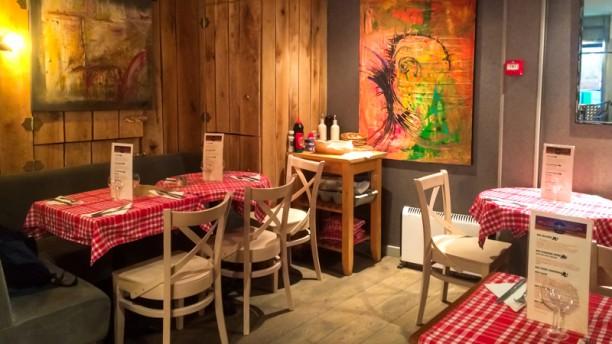 Fréquence Café Salle du restaurant