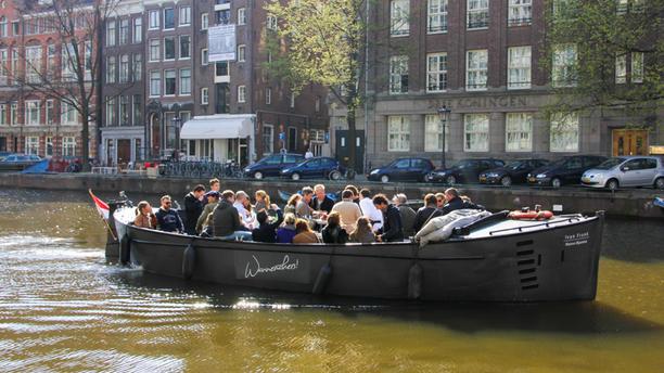 BBQ Boot Amsterdam Restaurant