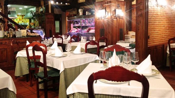 Vista sala - Asador Nuevo Porche, Madrid