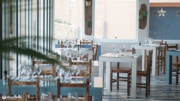 La Marine des Goudes Salle du restaurant