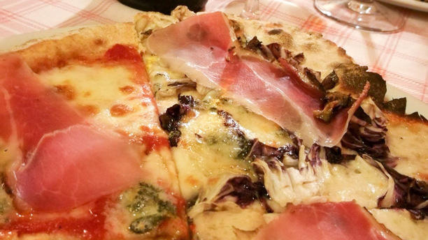 Pizzeria Il boscaiolo emozioni di pizza: farina integrale e di farro