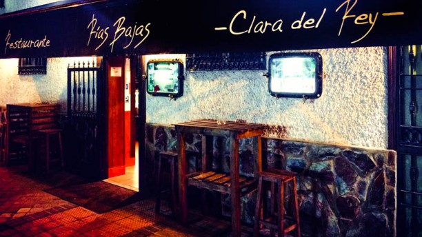 Rias Bajas -Clara del Rey- entrada principal