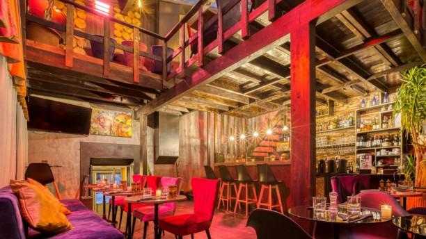 Dad's Den Bar a cocktails & lounge