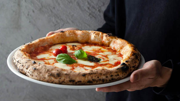 Made In Italy Profumi e Sapori d'Italia Cassano Magnago Pizza