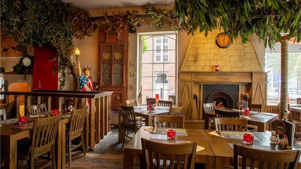 Dino's Grand Cafe Restaurant Dino's - 5