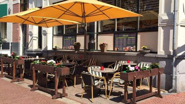 Dino's Grand Cafe Restaurant Terras