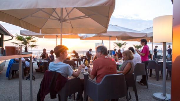 Le Comptoir JOA - Saint-Pair-sur-Mer Notre terrasse en front de mer