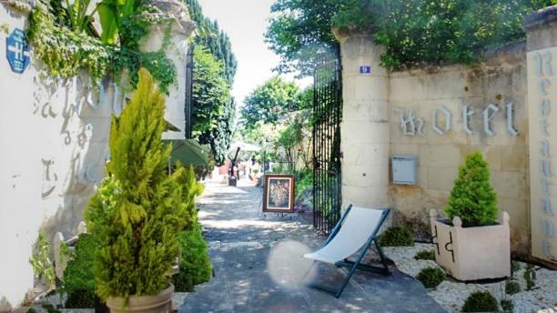 Hostellerie Val de Creuse Entrée de l'Etablissement