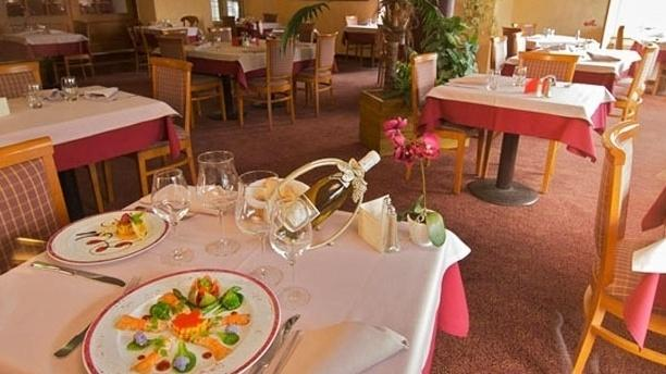Le Grand Hotel Abbatiale Vue de la salle
