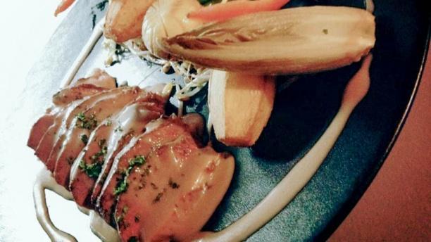 Auberge du Lac Magret de canard rôti au miel