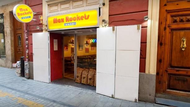 Max Rockets Café Entrada