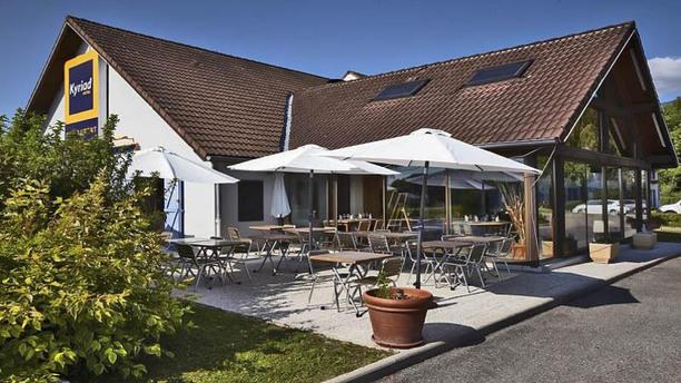 Hotel Kyriad Geneve - Saint Genis Pouilly Terrasse