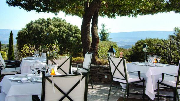 Hôtel Restaurant Les Bories terrasse3