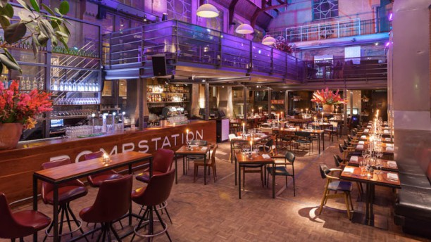 Pompstation Het restaurant