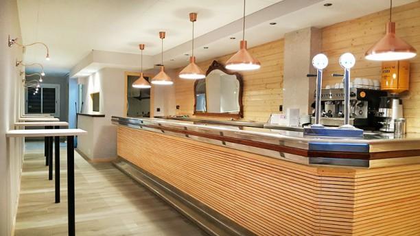 KmZero Tapas Wine Bar vista interior