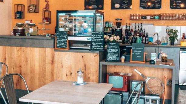 My Hometown Cafe Vue de la salle