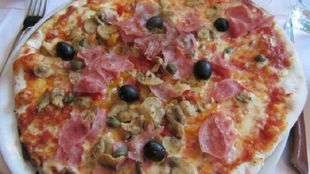 La Bruschetta Pizza