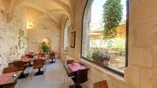 Le jardin des arts in arles restaurant reviews menu and for Restaurant jardin lee