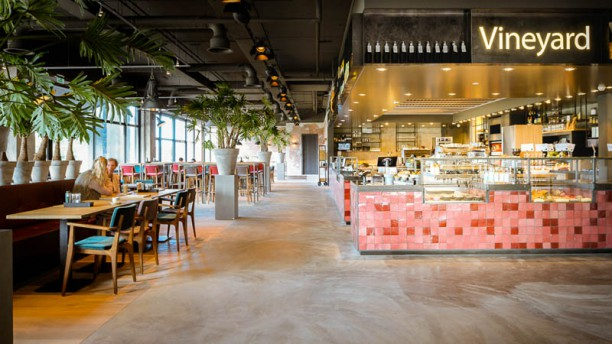 Vineyard Food & Drinks restaurantzaal