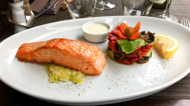 Via del Gusto Pavé de saumon frais, poireaux et sauce au gorgonzola