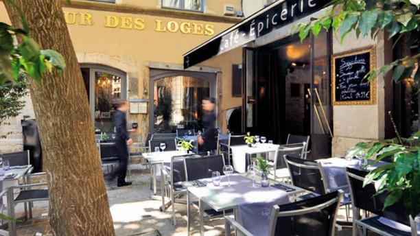 Café Épicerie - Hôtel Cour des Loges Terrasse